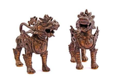 2 Chinese bronze Foo Dogs 15 cm high, 15 cm wide