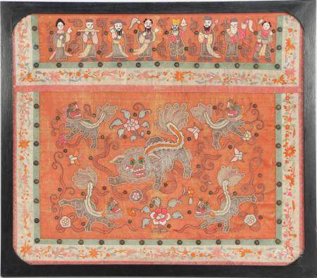 Antique textile in frame, China ca.1880 with figures and Foh dogs, outer size 87x99 cm