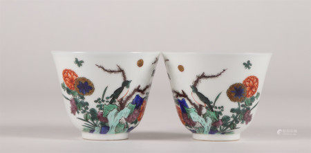 PAIR OF CHINESE PORCELAIN WUCAI BIRD AND FLOWER CUPS
