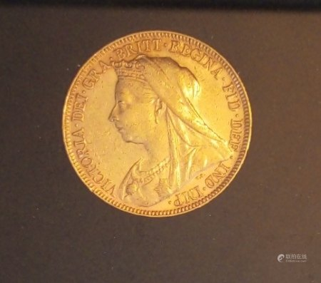 A 22CT GOLD QUEEN VICTORIA FULL SOVEREIGN, DATED 1897 With a veiled head and George and Dragon, in a protective capsule and fitted wooden box.  (approx total weight 8g)  Condition: good overall, slight wear to outer cardboard box