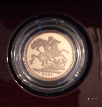 A 22CT GOLD FULL SOVEREIGN PROOF COIN, DATED 2021  With George and Dragon verso, in a protective capsule and fitted wooden box, complete with certificate of authenticity., (approx total weight 8g)  Condition: good overall, slight wear to outer cardboard box