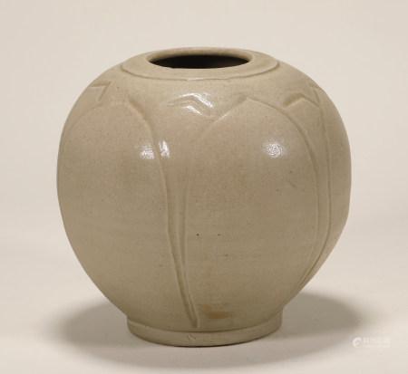宋 白釉瓜棱罐