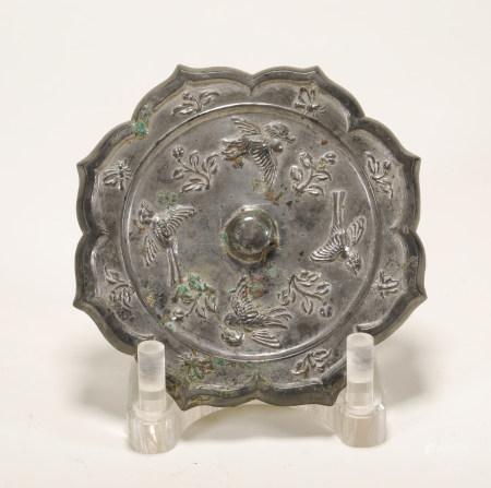 唐 鹤花卉镜