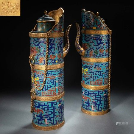 A PAIR OF CHINESE QING DYNASTY GILT-BRONZE ENAMEL DOMU POTS