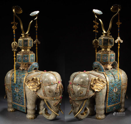 A PAIR OF GILT AND CLOISONNÉ ENAMEL ELEPHANTS , QING DYNASTY, CHINA