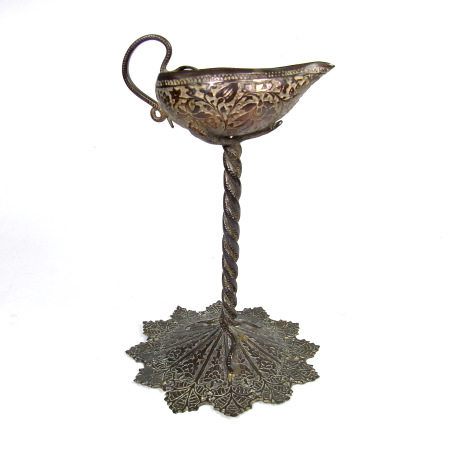 A North Indian oil lamp vessel, 19th century.
