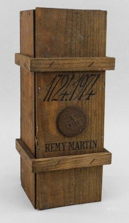 REMY MARTIN 250th ANNIVERSARY COGNAC 1724-1974 Released in 1974, blended with 80-100 year old