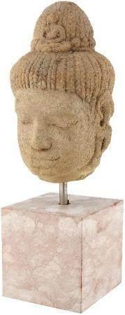 Kopf einer Gottheit