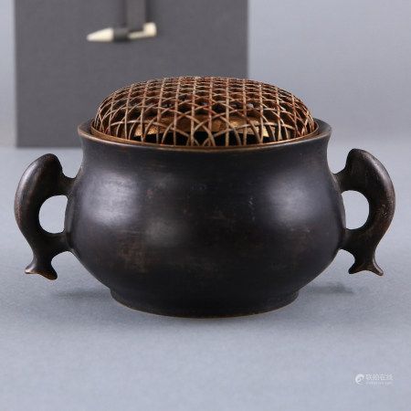 A CHINESE BRONZE CENSER, XUANDE MARK