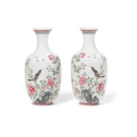 A pair of famille rose enameled porcelain vases  Qianlong marks, Republic period or later (2)
