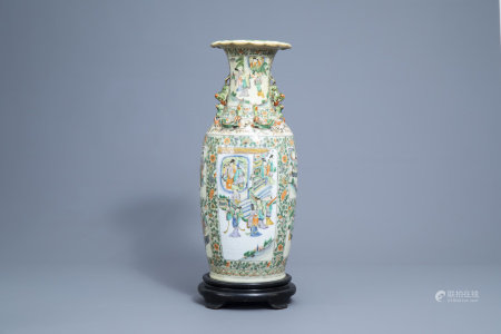 A Chinese Canton famille verte vase with figures on a terrace, 19th C.