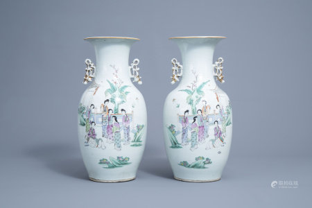 A pair of Chinse famille rose vases with ladies on a terrace, 19th/20th C.