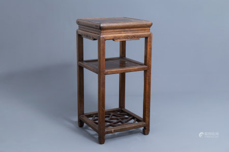 A Chinese wooden stand, 19th/20th C.