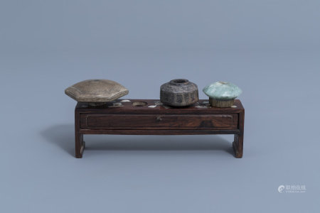 A Chinese hongmu wooden mother-of-pearl inlaid damper stand and three dampers, ca. 1900
