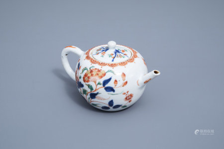 A Chinese verte-Imari teaopot and cover with floral design, Kangxi