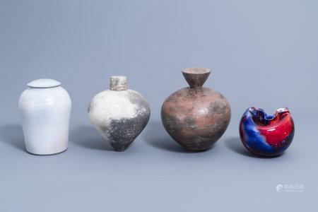 An interesting and varied collection modern European studio pottery (Dis Cinardo, Kaat Campo, Patrick Picarelle), 20th C.