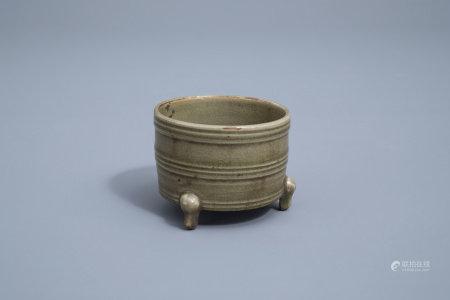 A Chinese celadon tripod incense burner, 19th/20th C.