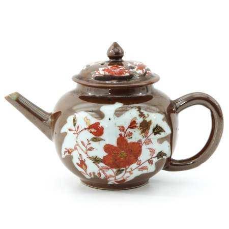 A Batavianware Teapot