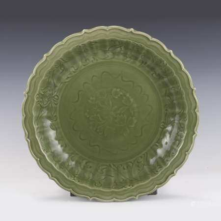 Qing Dynasty LONG QUAN CELADON BARBED RIM CHARGER
