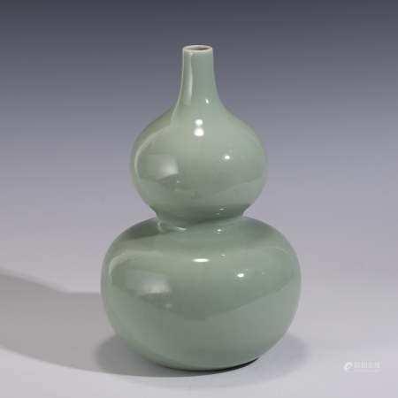 Qing Dynasty DOUQING GLAZED DOUBLE GOURD BOTTLE