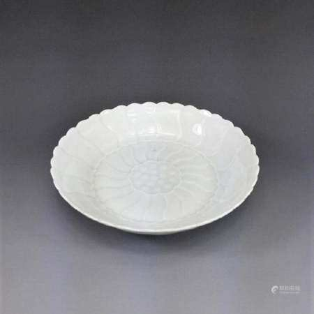 Qing Dynasty FINE CARVED FLORIFORM QINGBAI FLORAL DISH