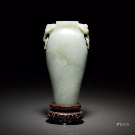 清 十九世纪 青玉活环耳瓶 A Celadon Jade Vase with Ring Handles, 19th Century