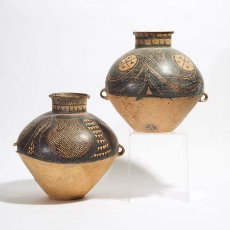 新时期时代 马家窑文化 半山类型彩陶罐两件 Two Large Painted Pottery Jars, Majiayao Culture, Banshan Phase, Neolithic Period, 3rd Millennium BC