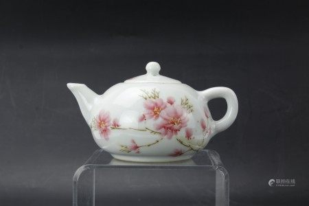 A Chinese Porcelain Teapot with Peach Blossom Art
