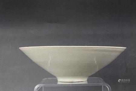 A Chinese Qingbai Glazed Yingqing Porcelain Bowl