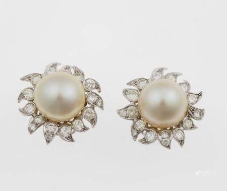 Orecchini con perle e diamanti,