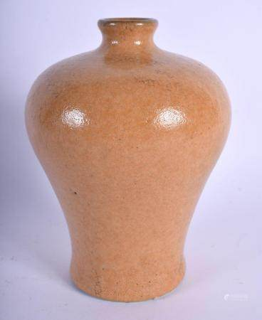 AN UNUSUAL 19TH CENTURY CHINESE ORANGE GLAZED PORCELAIN MEIPING VASE Qing, with unusual partial crackled body. 18 cm high.