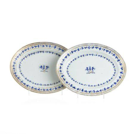 Pair of Chinese porcelain platters, Jiaqing