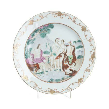 European subject Chinese porcelain 'Judgement of Paris' plate, Qianlong