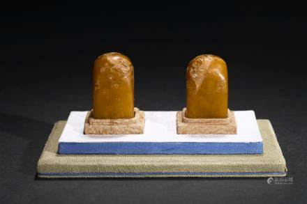 A pair of tianhuang stone carved seals