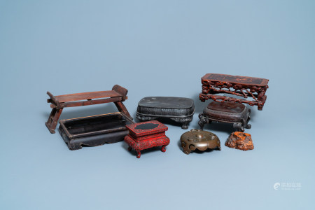 Eight Chinese and Japanese stands in wood, lacquer and bronze, 19/20th C.