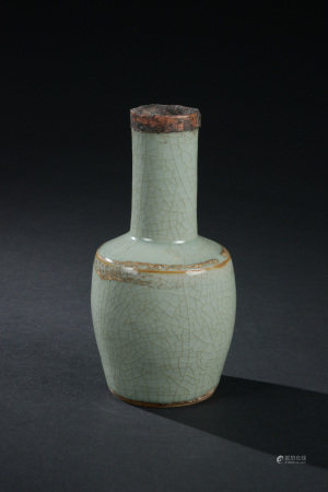 哥釉包銅口紙槌瓶