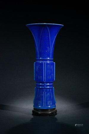 晚清 霽藍釉饕餮紋花觚