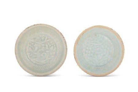 南宋 青白釉模印双鱼纹盘两件 SOUTHERN SONG DYNASY (1127-1279)