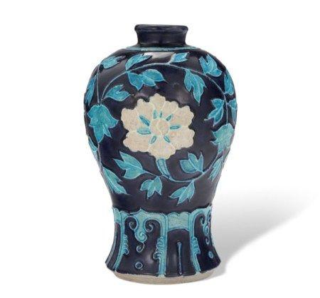 明 珐华折枝莲纹梅瓶 MING DYNASTY (1368-1644)