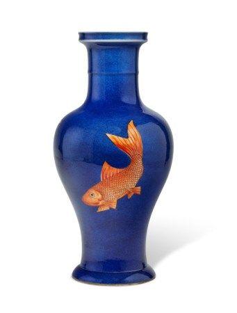 清十九世纪 洒蓝釉矾红鲤鱼纹瓶 19TH CENTURY