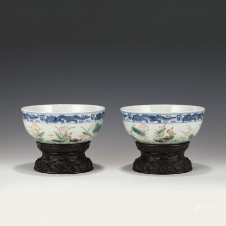 Qing Dynasty PAIR QIANLONG FAMILLE ROSE BOWLS ON STANDS