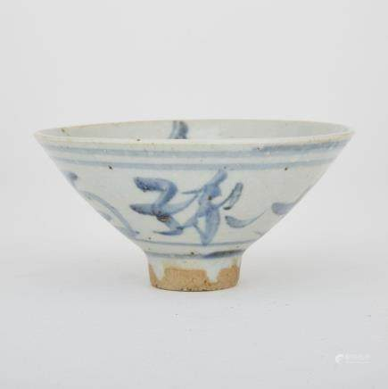 A BLUE AND WHITE CHINESE EXPORT 'LONGEVITY' BOWL, 19TH CENTURY