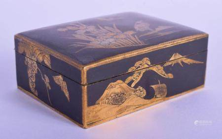 A LATE 19TH CENTURY JAPANESE MEIJI PERIOD KOMAI STYLE MIXED METAL BOX decorated with a figure perched amongst foliage. 7.5 cm x 5.5 cm.