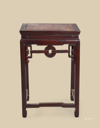 清代(1644~1911) 红木嵌瘿木面玉璧纹花台