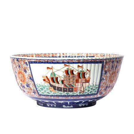 Western Figures Pattern Imari Ware Bowl
