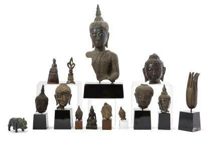 BIRMANIE vers 1900 Divers objets