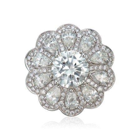 NO RESERVE   GRAFF DIAMOND FLOWER RING