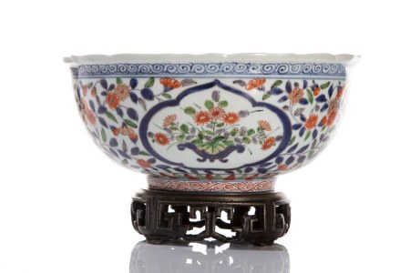 EARLY QING IMARI STYLE BOWL ON BRONZE STAND