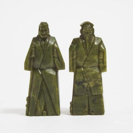 二十世纪早期 碧玉雕祖先像一对 A Pair of Green Jade Figures of an Elderly Couple, Early 20th Century