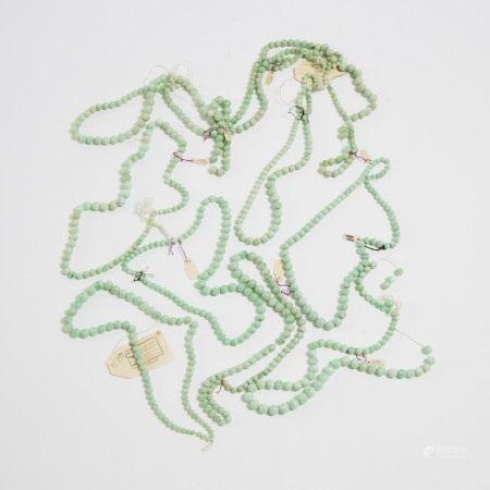 天然翡翠珠项链一组九件 A Group of Nine Graduated Strands of Jadeite Beaded Necklaces